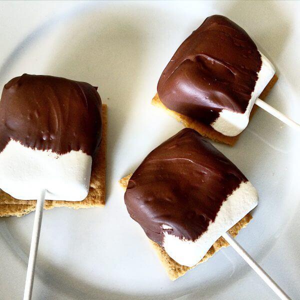 DIY Indulgent S'mores Marshmallow Pops - Momfluential Media
