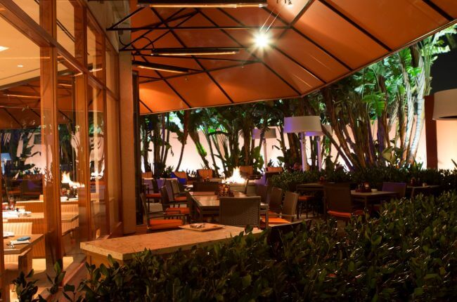 Photo credit to Hotel Irvine- Dinning Patio