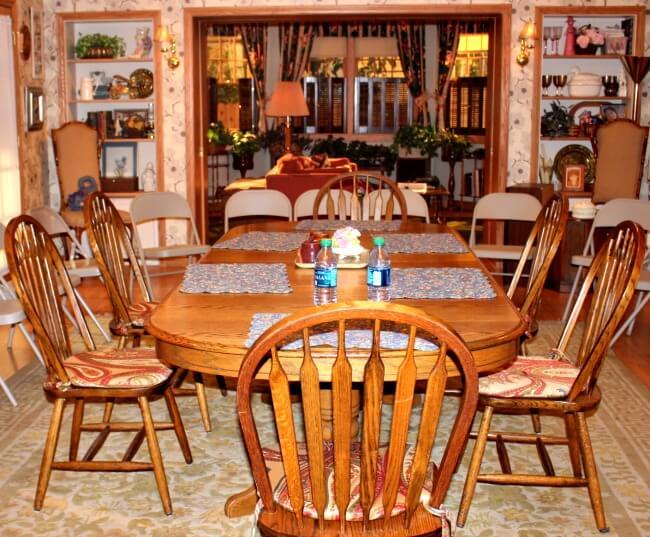 %22the-goldbergs%22-set-kitchen