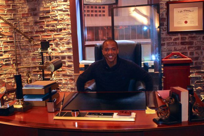 "J. August Richards on set to ABC's ""Notorious"""