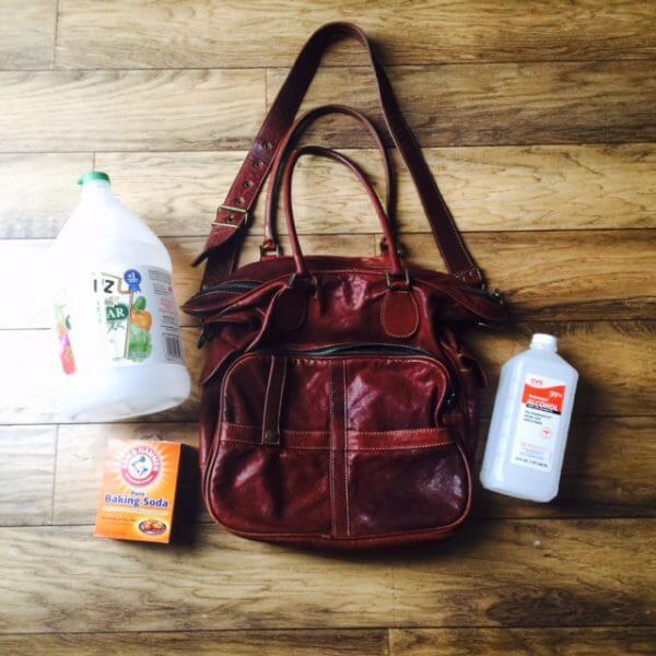 How to deodorize a vintage handbag